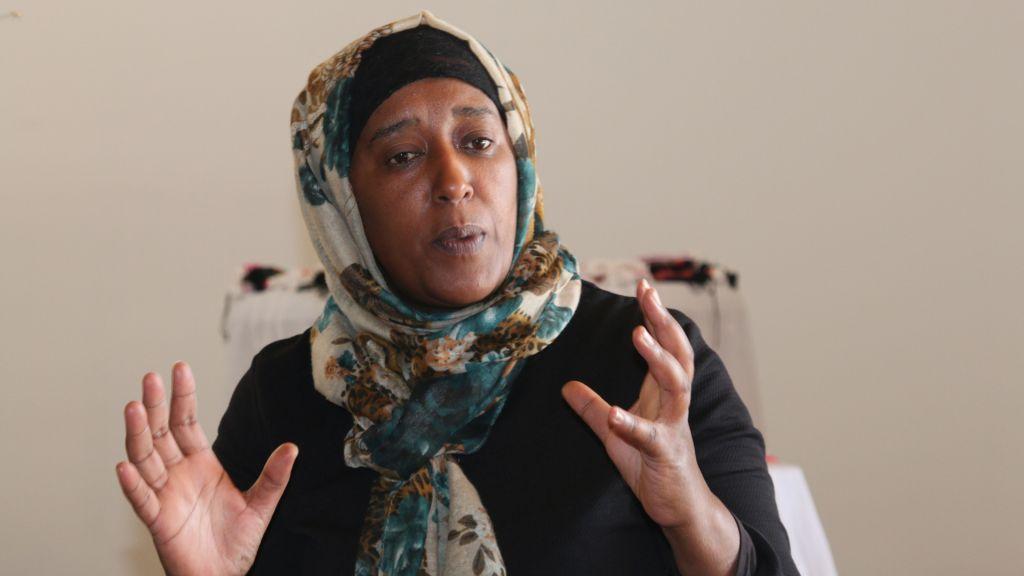 """Amal Abo Alqom, habitante du village bédouin de  Segev Shalom et fondatrice de l'ONG """"les Femmes pour elles-mêmes"""". (Crédit : Shmuel Bar-Am)"""