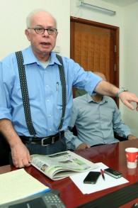 Amos Regev, rédacteur en chef d'Israël Hayom, en octobre 2012. (Crédit : Moshe Shai/Flash90)