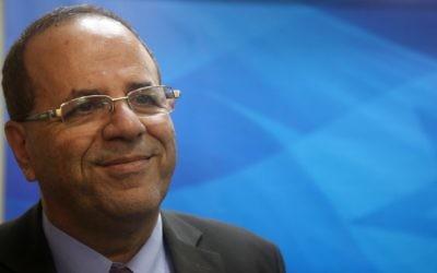 Ayoub Kara, député du Likud, avant une réunion avec le Premier ministre Benjamin Netanyahu, à Jérusalem, le 30 décembre 2015. (Crédit : Marc Israel Sellem/Pool)