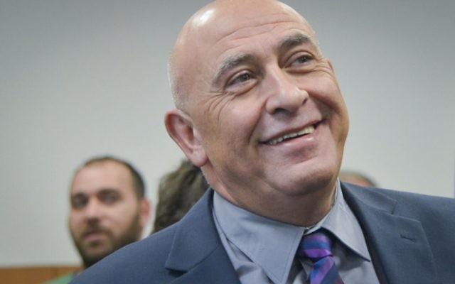 Basel Ghattas, député de la Liste arabe unie, devant la cour des magistrats de Rehovot, le 5 janvier 2017. (Crédit : Avi Dishi/Flash90)