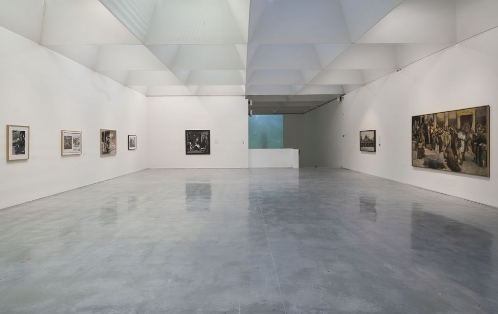 La dernière salle de 'Jésus dans l'art israélien', avec une installation vidéo de Sigalit Landau . (Crédit : Elie Posner/ Israel Museum)
