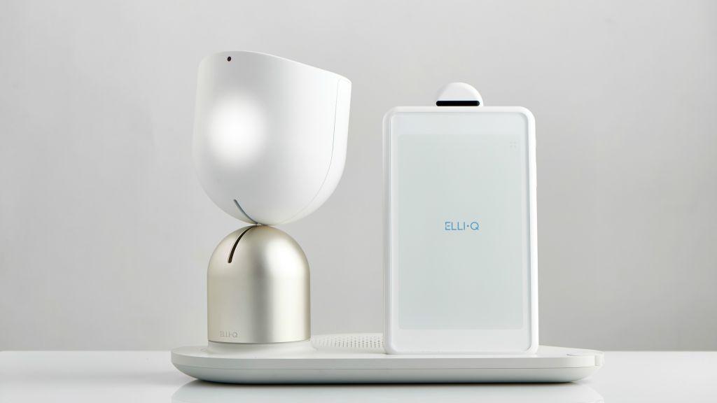ElliQ d'Intuition Robotic's signale la présence d'une personne avec un signe de tête (Crédit : Autorisation)