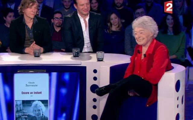 """Claude Sarraute sur le plateau de Laurent Ruquier pour la sortie de son livre """"Encore un instant"""" (Crédit : capture d'écran/Dailymotion)"""