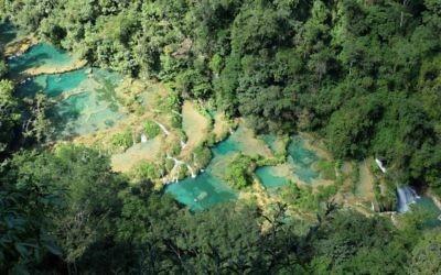 Semuc Champey au Guatemala (Crédit : CC BY-SA Christopher Crouzet, Wikimedia)