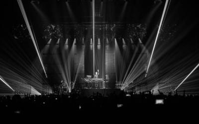 Un concert de  Jean-Michel Jarre. (Crédit : Facebook/Jean-Michel Jarre)