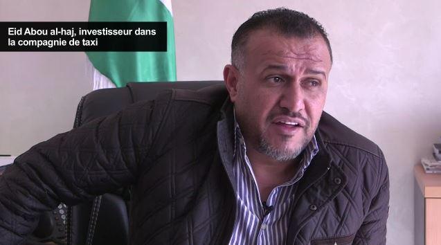 """Eid Abou al-Haj, dirigeant du groupe qui finance la compagnie Al Mumayaz à l'initiative des """"Taxis roses"""", en Jordanie, en décembre 2016. (Crédit : capture d'écran AFP)"""