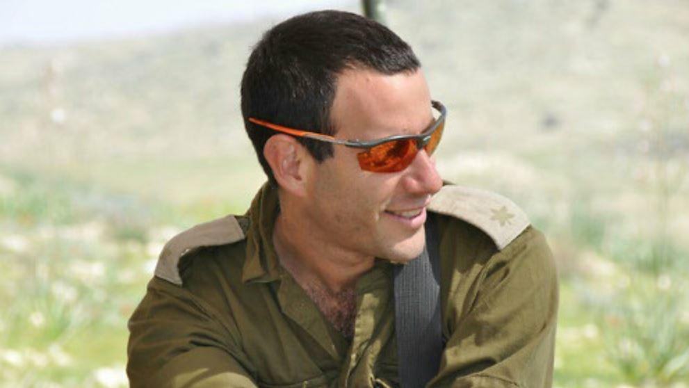 La major Hagai Ben Ari, qui a été grièvement blessé le 21 juillet 2014 pendant l'opération Bordure protectrice dans la bande de Gaza. Il est mort le 3 janvier 2017. (Crédit : autorisation)