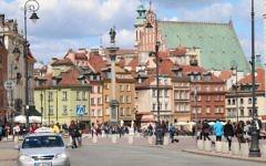 Le centre de la vieille ville de Varsovie. Illustration. (Crédit : Shmuel Bar-Am)
