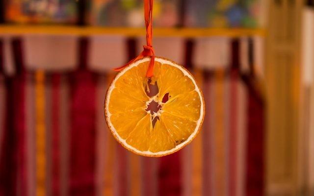 Illustration d'une orange coupée (Crédit : CC0 Public Domain/Pixabay)