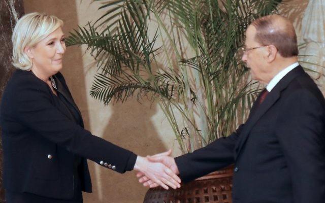 Marine Le Pen, candidate d'extrême-droite à la présidentielle française, avec le président libanais Michel Aoun au Palais présidentiel de Baabda, le 20 février 2017. (Crédit : AFP)