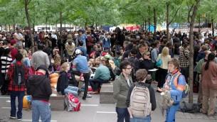 Le mouvement Occupy Wall Street dans le parc Zuccotti de New York, en septembre 2011. (Crédit : David Shankbone/CC BY 3.0/WikiCommons)