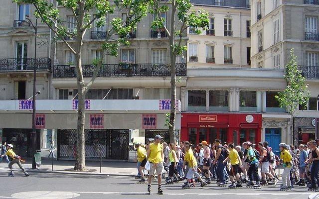 Le magasin Tati de la rue du Temple, à Paris. Illustration. (Crédit : >David.Monniaux/CC BY-SA 3.0/WikiCommons)