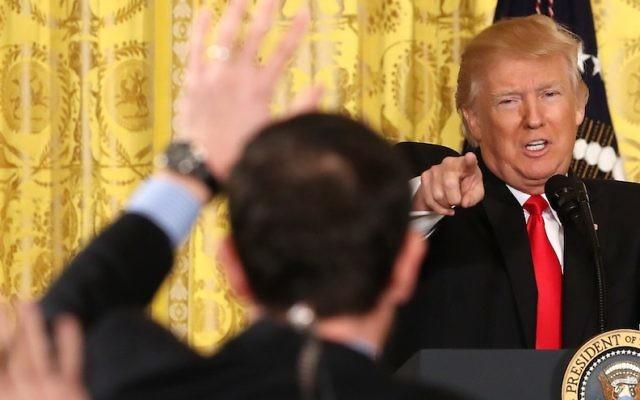 Le président américain Donald Trump s'exprimant lors d'une conférence de presse le 16 février 2017, à la Maison Blanche à Washington, aux Etats-Unis (Crédit : Mark Wilson/Getty Images, via JTA)