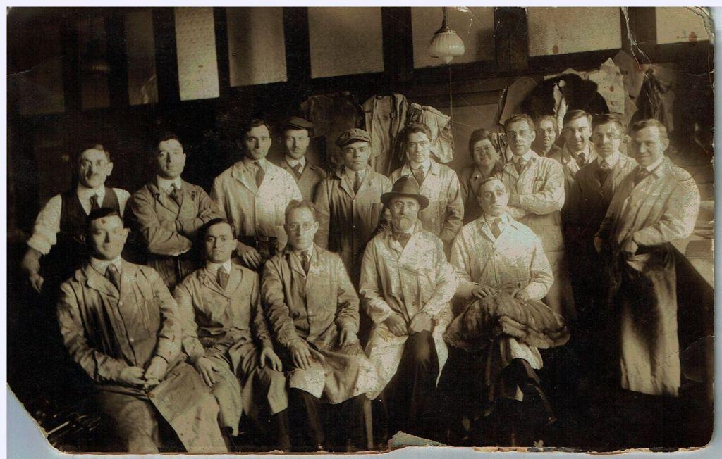 La famille Green, un dynastie de fourreurs depuis l'Europe, ici à New York. (Crédit : AJM)