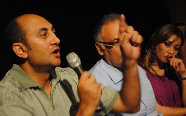 L'avocat Khaled Ali, à gauche, lors du Tweet Nadwa 2011. (Crédit : Lilian Wagdy/CC BY/Flickr via Wikimedia Commons)