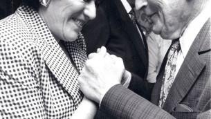 Lilian Hochhauser avec Yehudi Menuhin. (Autorisation)