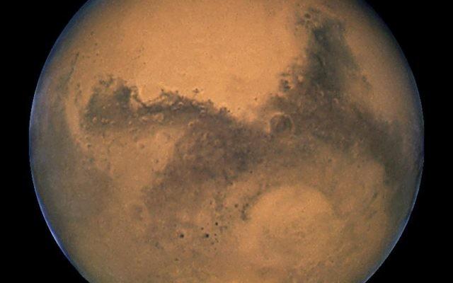 La planète Mars, vue via le télescope spatial Hubble en 2003 (Crédit : NASA, ESA et The Hubble Heritage Team / STScI / AURA)