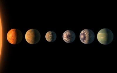 Illustration d'un artiste qui a imaginé à quoi les sept planètes de TRAPPIST-1 pourraient ressembler (Crédit : NASA / JPL-Caltech)