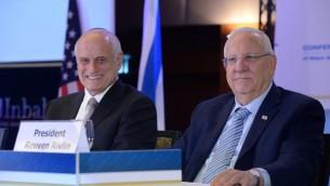 Le président Reuven Rivlin devant la Conférence des présidents des organisations juives américaines majeures, à Jérusalem, le 19 février 2017. (Crédit : Mark Neiman/GPO)