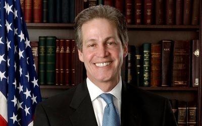 Norm Coleman, ancien sénateur américain et nouveau président de la Coalitin juive républicaine. (Crédit : domaine public/Wikimedia Commons)