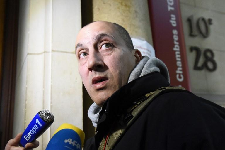 Vjéran Tomic, le suspect principal du vol de cinq tableaux au Musée d'Art moderne à Paris en 2010, arrive sur les lieux de son procès le 30 janvier 2017.(Crédit: AFP PHOTO / BERTRAND GUAY)