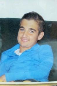 Pinchas, le jeune homme devenu ami avec le rabbin Yeshayahu Heber, qui a créé l'association Matnat Haim. (Crédit : autorisation)