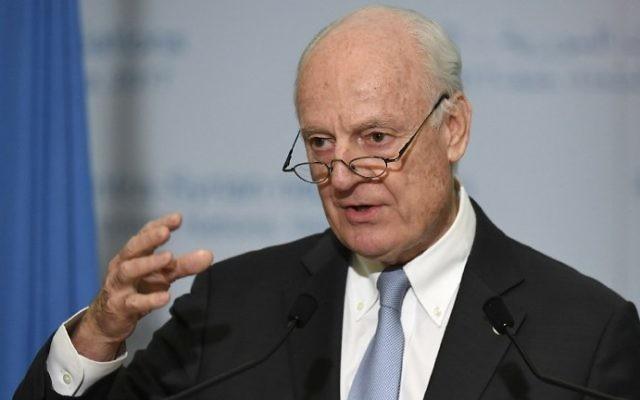 Staffan de Mistura, envoyé spécial des Nations unies pour la Syrie, à Genève, le 3 mars 2017. (Crédit : Phillippe Desmazes/AFP)