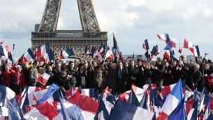 Rassemblement de soutien à François Fillon sur la place du Trocadéro, à Paris, le 5 mars 2017. (Crédit : Geoffroy Van Der Hasselt/AFP)
