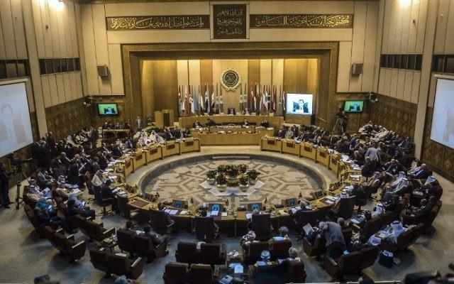 Réunion des ministres des Affaires étrangères de la Ligue arabe au Caire, le 7 mars 2017. (Crédit : Khaled Desouki/AFP)