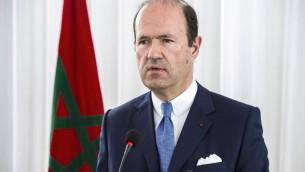 Jean-François Girault, ambassadeur de France au Maroc, pendant une cérémonie d'hommage à Imad ben Ziaten, soldat français assassiné par Mohamed Merah en 2012, au Maroc, à M'diq, le 11 mars 2017. (Crédit : Fadel Senna/AFP)
