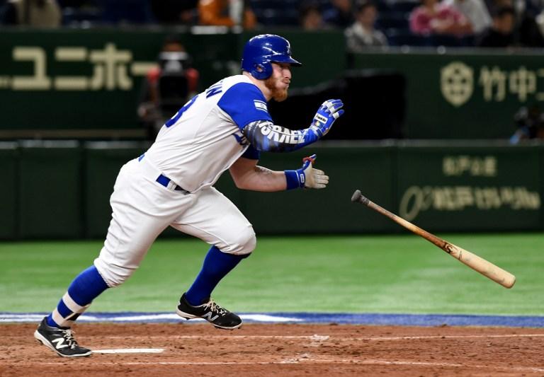 Le joueur israélien Zach Borenstein pendant le match entre Cuba et Israël de la World Baseball Classic, à Tokyo, le 12 mars 2017. (Crédit : AFP/Toru Yamanaka)