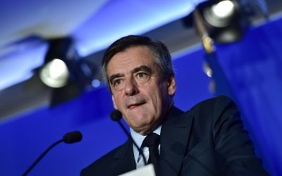 François Fillon pendant une conférence de presse de présentation de son programme, à Paris, le 13 mars 2017. (Crédit : Christophe Archambault/AFP)