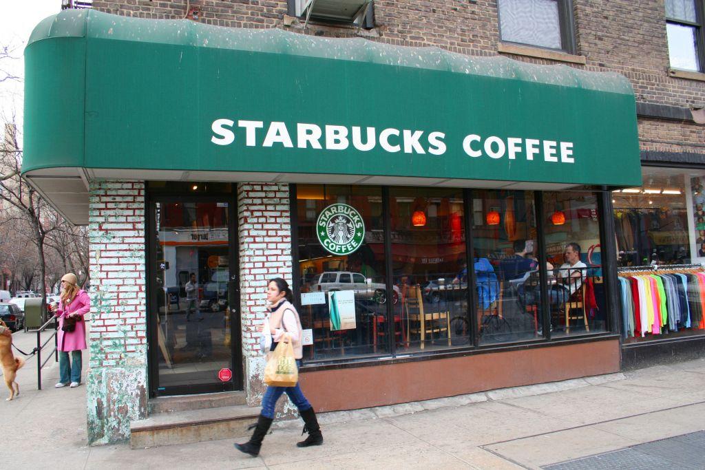 Un Starbucks à New York. Illustration. (Crédit : Elvert Barnes/CC/Flickr)
