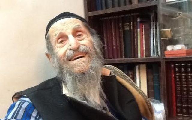 Chacham Zechariah Barashi, rabbin kurde de Jérusalem. (Crédit : Lazar Berman/Times of Israel)