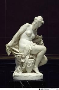 'Susanna', par l'artiste Reinhold Begas, sculpté entre  1869 et 1872, continue à être rpésenté à la  Alte Nationalgalerie de Berlin même si sa propriété a été transférée aux héritiers de Mosse (Autorisation)