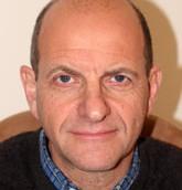 Le Dr Paul Rivlin, le chercheur au Centre Moshe Dayan et le rédacteur en chef du Iqtisadi, une publication mensuelle sur l'économie du Moyen-Orient (Crédit : Autorisation)
