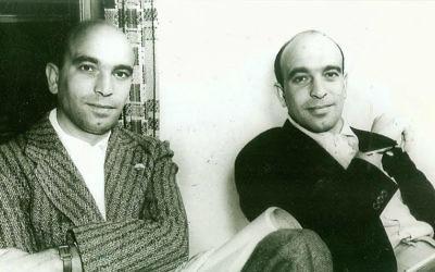 Julius, à gauche, et  Phil Epstein dans leur bureau des studios de la Warner Bros. à  Los Angeles. (Autorisation :  Leslie Epstein)