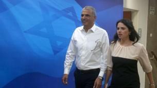 Le ministre des Finances Moshe Kahlon et la ministre de la Justice Ayelet Shaked. (Crédit : Marc Israel Sellem/Pool/Flash90)