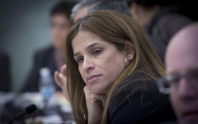 Merav Ben Ari, députée de Koulanou, à la Knesset, le 6 février 2017. (Crédit : Miriam Alster/Flash90)