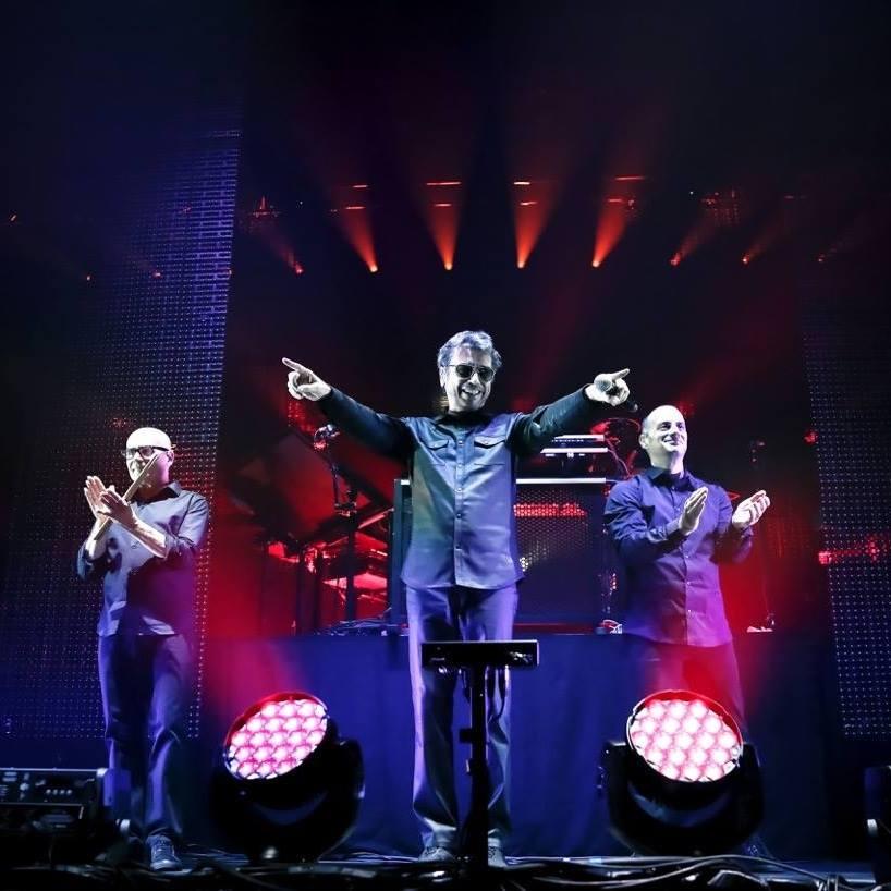Stéphane Gervais, Jean-Michel Jarre et Claude Samard-Polikar (Crédit : Christie Goodwin/Aero Productions)