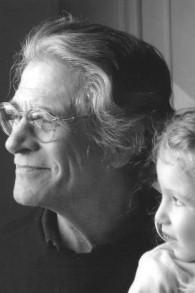 Leslie Epstein avec sa petite-fille (Autorisation)