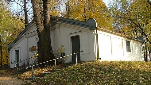 La tombe du rabbin Elimelech de Lizhensk, en Pologne. (Crédit : Emmanuel Dyan/CC BY-SA/Wikimedia)