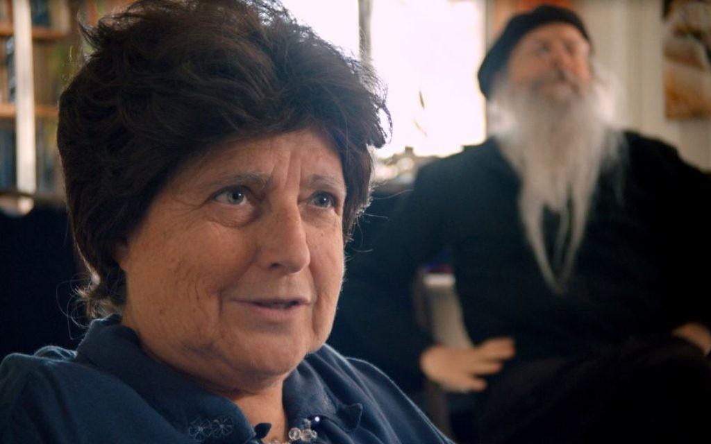 Sarah Nachshon, dans une scène du documentaire 'The Settlers,' réalisé par Shimon Dotan. (Crédit : autorisation Philippe Bellaiche)