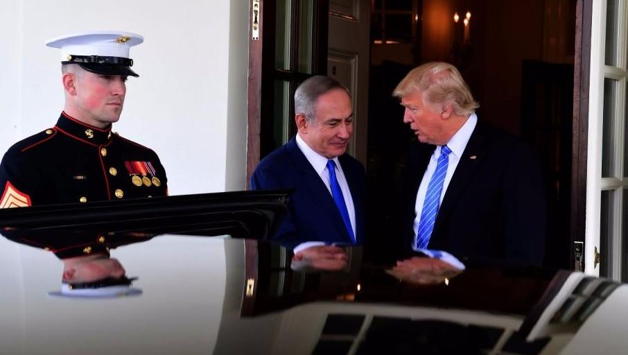 Le Premier ministre Benjamin Netanyahu et le président américain Donald Trump à la Maison Blanche, le 15 février 2017. (Crédit : Avi Ohayun/GPO)