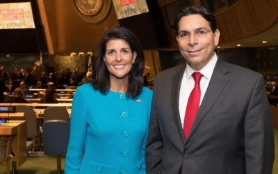 Nikki Haley, ambassadrice américaine aux Nations unies, et Danny Danon, son homologue israélien, aux Nations unies, à New York, le 29 mars 2017. (Crédit : Shahar Azran)