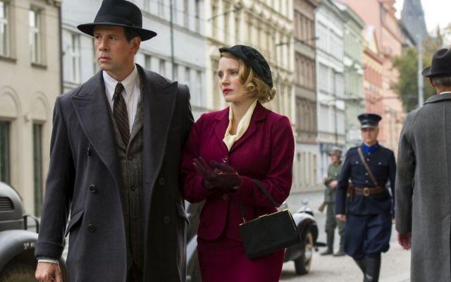 Johan Heldenbergh partage la vedette avec  Jessica Chastain dans le rôle de Jan Zabinski dans 'The Zookeeper's Wife.' (Crédit : Anne Marie Fox/Focus Features/via JTA)
