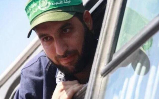 Mazen Foqaha à sa libération après l'accord Shalit, en 2011. (Crédit : capture d'écran Twiter)