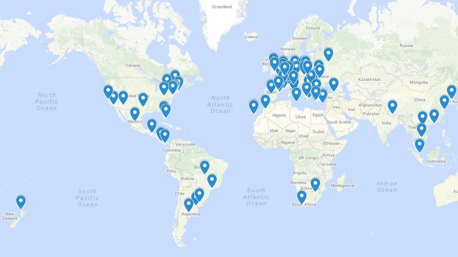 Carte montrant la répartition mondiale des cadeaux de Pourim distribués par les bénévoles de Jewish Connection à l'aéroport Ben Gurion, en mars 2017. (Crédit : Google Maps)