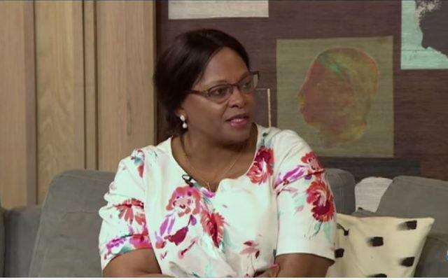 Nomvula Mokonyane, ministre sud-africaine de l'hydrologie (Crédit: capture d'écran Youtube/Afternoon Express)