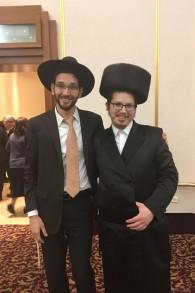 Simha Abrahams (g) et Yehuda Potash (Crédit : Stéphanie Bitan/Times of Israël)